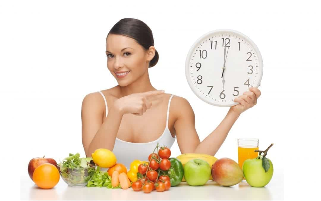 Want to know how to feel fuller for longer to stop you eating extra calories helping you lose weight?